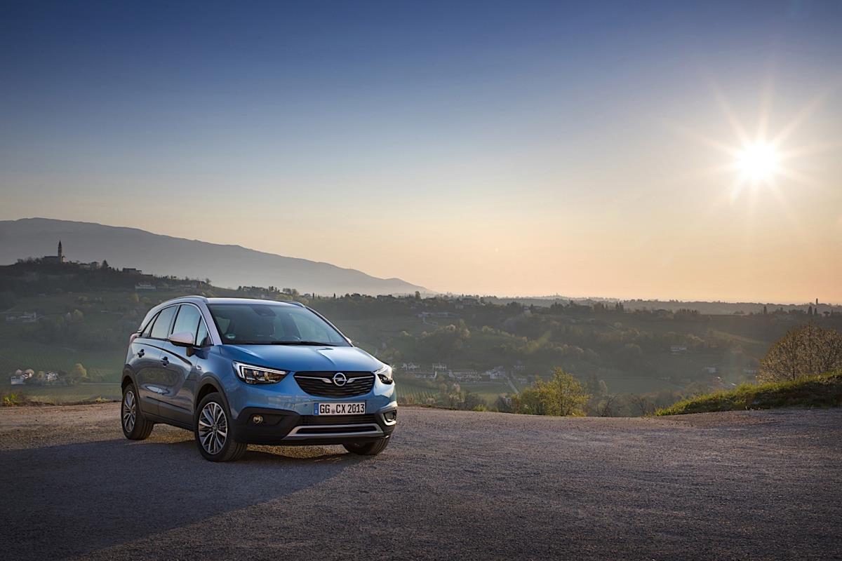 Opel Crossland X resimleri