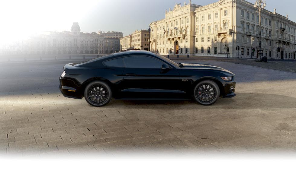 Ford Mustang Fastback resimleri