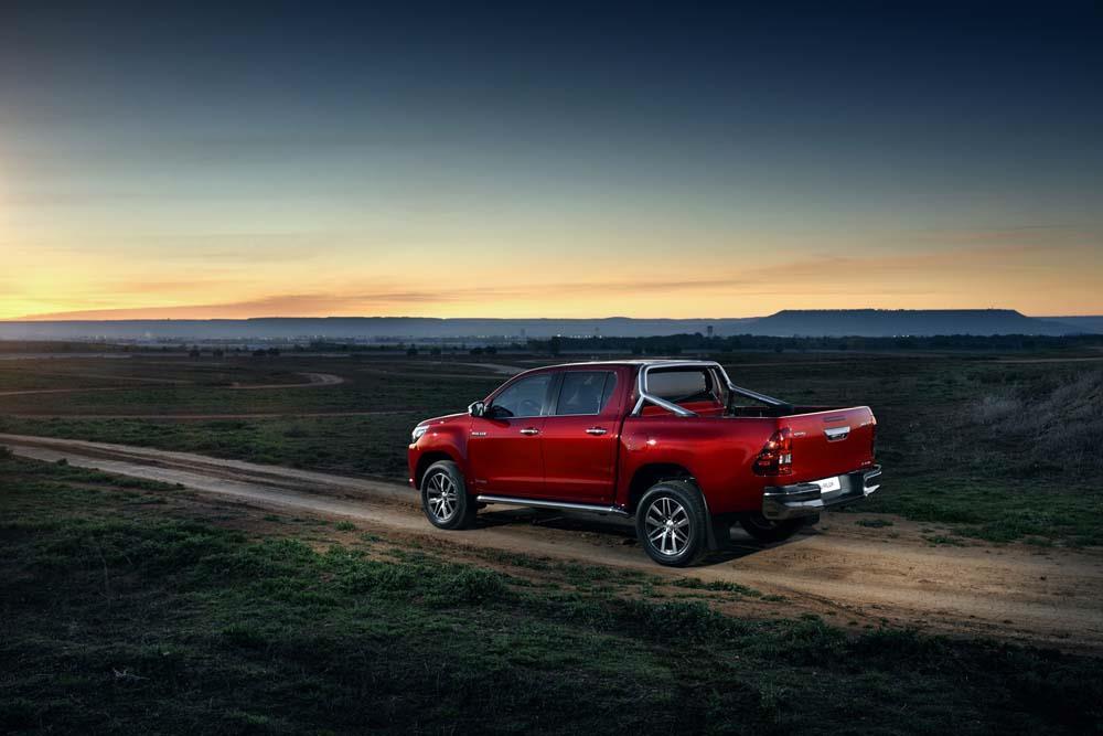 Toyota Hilux Pick-Up 2017: Bis zu 21% Rabatt - MeinAuto.de